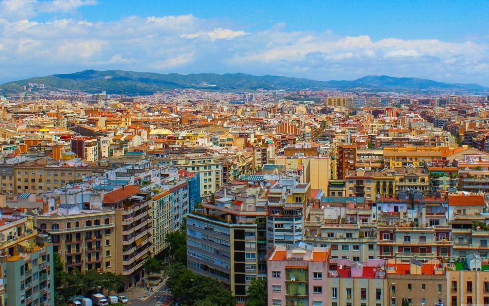 Download Barcelona City Hd Wallpaper For Mobile 2560x1440 Wallpaper Getwalls Io