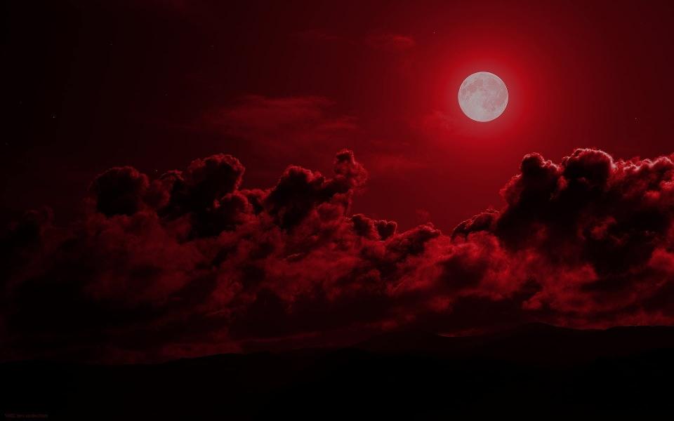 Download Red Moon Iphone 11 Back Wallpaper In 4k 5k Wallpaper Getwalls Io